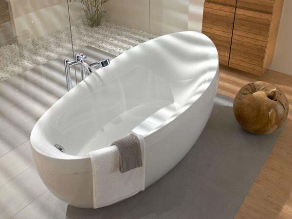 Laisvai pastatoma vonia vonios kambario interjere - Vasca da bagno villeroy e boch ...