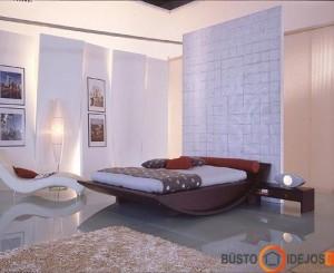 Nuostabūs modernūs miegamojo baldai: akcentuojama lova ir šezlongas