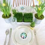 Velykinė žolytė ir pavasariškos gėlės - idealus derinys