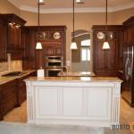 Nuostabus klasikinio stiliaus virtuvės pavyzdys