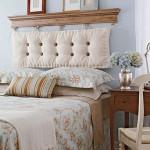 Romantiškai ir jaukiai atrodanti lova