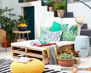 Originalus staliukas iš palečių - puikus pasirinkimas terasai
