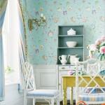 Mielas, jaukus, šiltas valgomasis. Puikūs tapetai ir baldai. Gėles galima merkti ir į stiklainį - antikvarinė vaza tikrai nebūtina