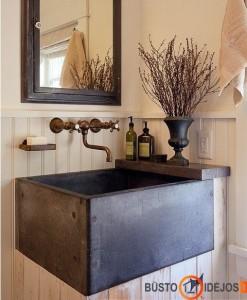 Kaimiško stiliaus vonios kambarys
