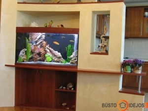 Akvariumas nišoje - viena iš geriausių vietų, nes toli nuo saulės spindulių