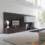 Minimalūs baldai, tvarka ir erdvė svetainėje