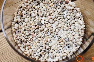 Balti akmenukai- pirmas sluoksnis