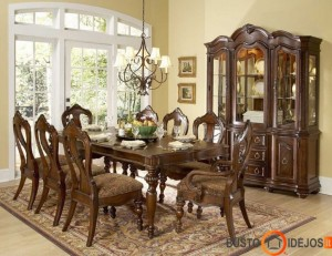 Klasikinio stiliaus valgomojo kambarys