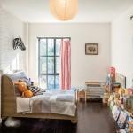 Plytų siena vaiko kambaryje