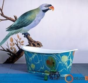 Išskirtinė vonia ir sienos dekoras