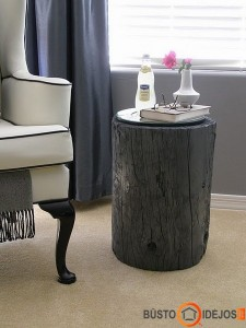 Rąstinis staliukas tik tamsiai dažytas