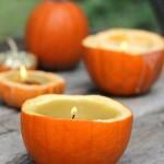 Didelės žvakės moliūguose