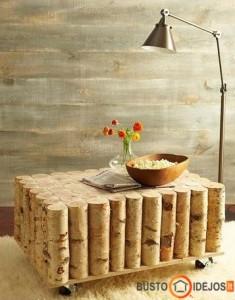 Kavos staliukas iš beržo rąstukų