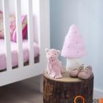 Rąstinis staliukas vaiko kambaryje