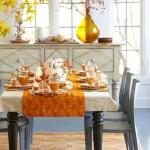 Gražiai rudeniškai puoštas valgomasis
