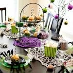 Stalo dekorui parinktos kiek neįprastos spalvos
