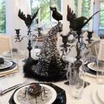 Juodai baltas Helovyno stalas