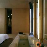 Integruota vonia miegamajame