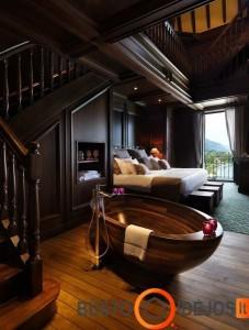 Išskirtinė pastatoma vonia miegamajame