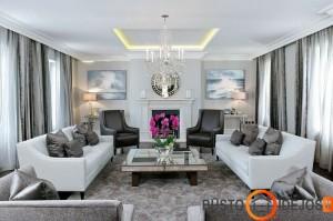 Pilka - šiais metais itin madinga, kuri išryškėja suderinus su baltos spalvos sienomis ir kai kuriais baldais
