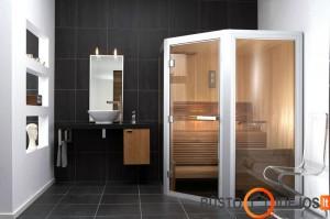 Pirtis šiame vonios kambaryje įneša organiškumo ir sušildo aplinką