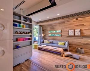 Kambario siena tarsi susilieja su grindimis - puikus būdas padidinti patalpą