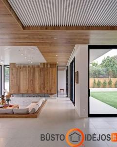 Ne tik siena, bet ir lubos dekoruotos mediena