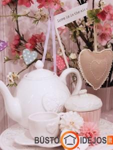 Be galo romantiškas kvietimas išgerti arbatos pusryčiams