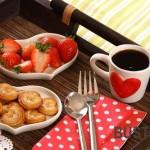 Kava ir skanumynai į lovą