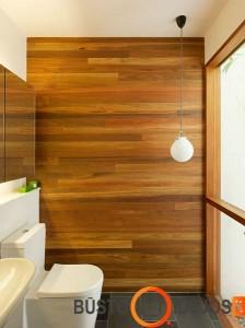 Dar vienas pavyzdys tualete